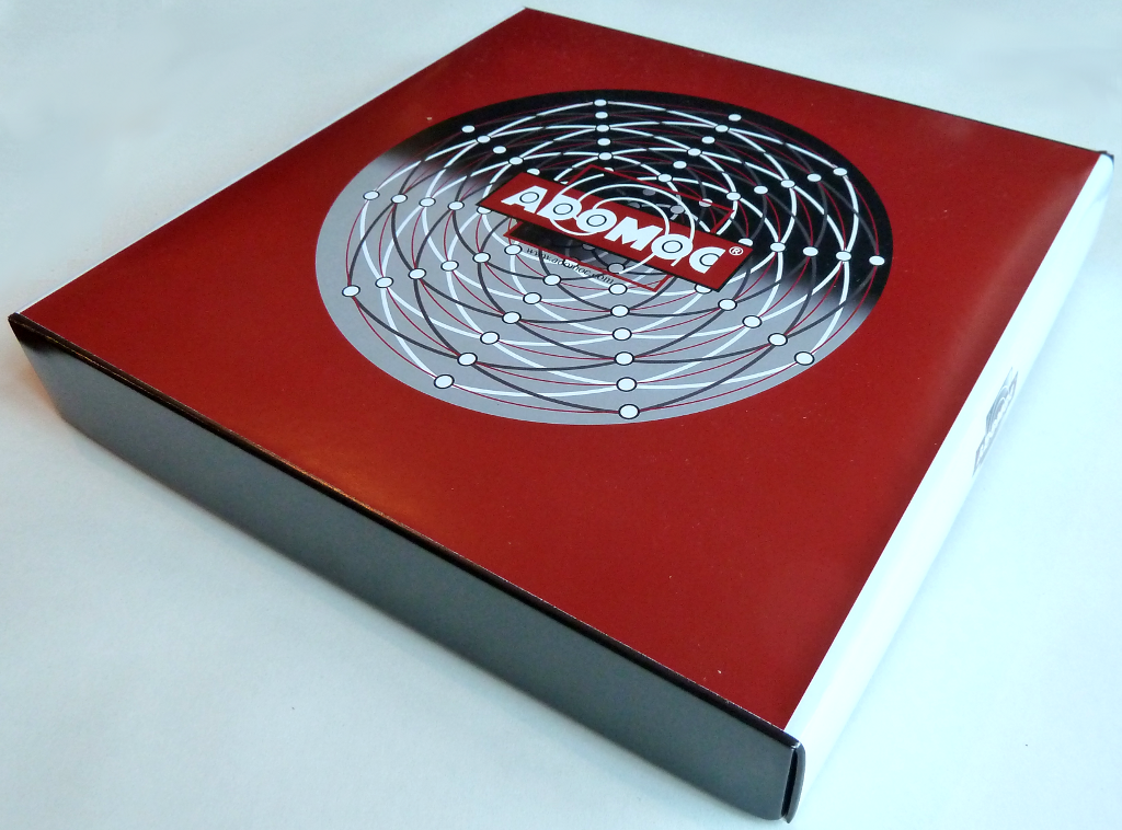 Box of the official Adomoc deluxe set